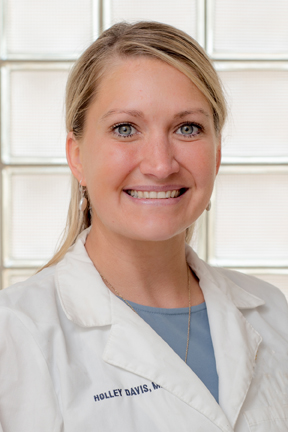 CHI Memorial Medical Group welcomes Holley Davis, M.D.